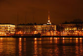 Night view of Neva river — Stock Photo