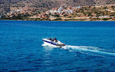 Motor boat speeding — Stock Photo