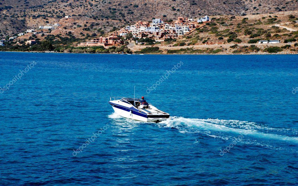 прокат лодок крит