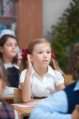 Meilleur écolier dans la salle de classe — Photo