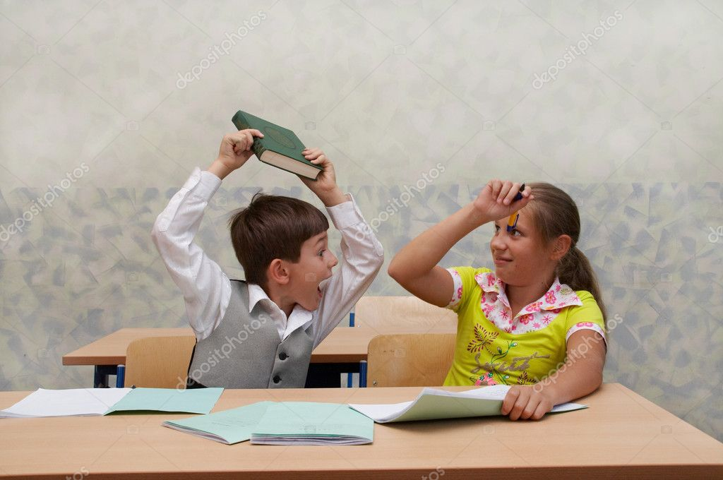 Elementary school. Fight on lesson. — Stock Photo ...