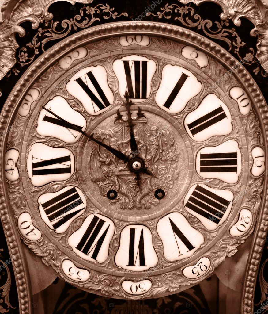 Close-up of antique clock of the eighteen century — Stock Photo #1447528