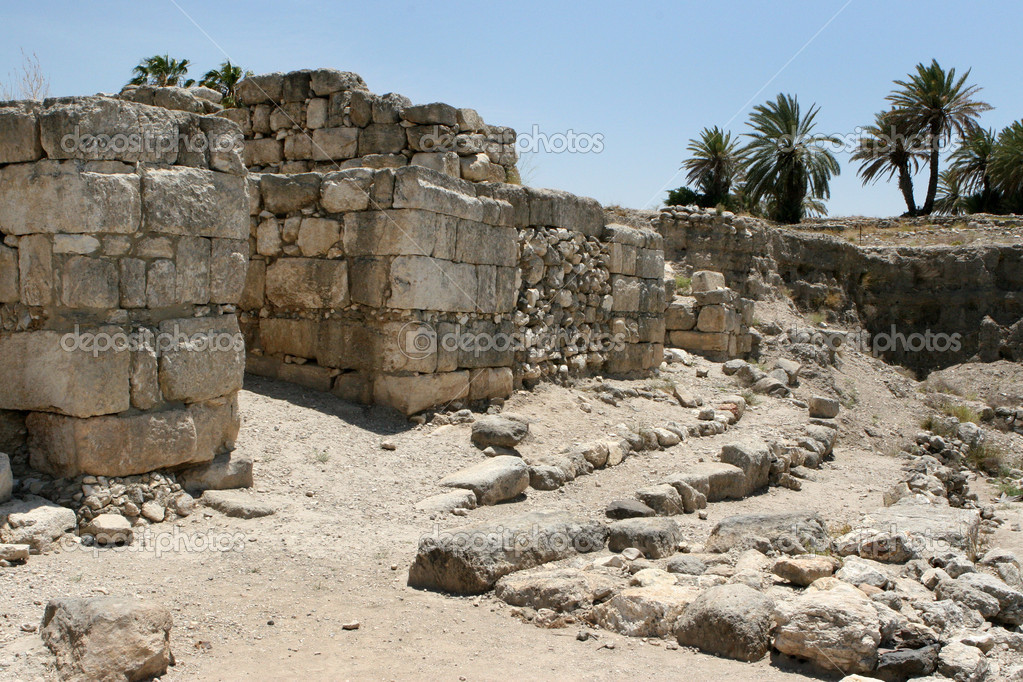 Excavations at the site of the ancient city of Tel Megiddo which overlooks the Valley of Armageddon, Israel. — Stock Photo #1395420
