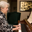 Senior Woman Playing Piano — Foto Stock