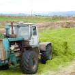Tractor making silo pit — Stockfoto