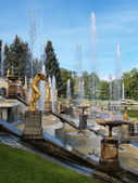 Fountains in Peterhof near Petersburg — Stock Photo