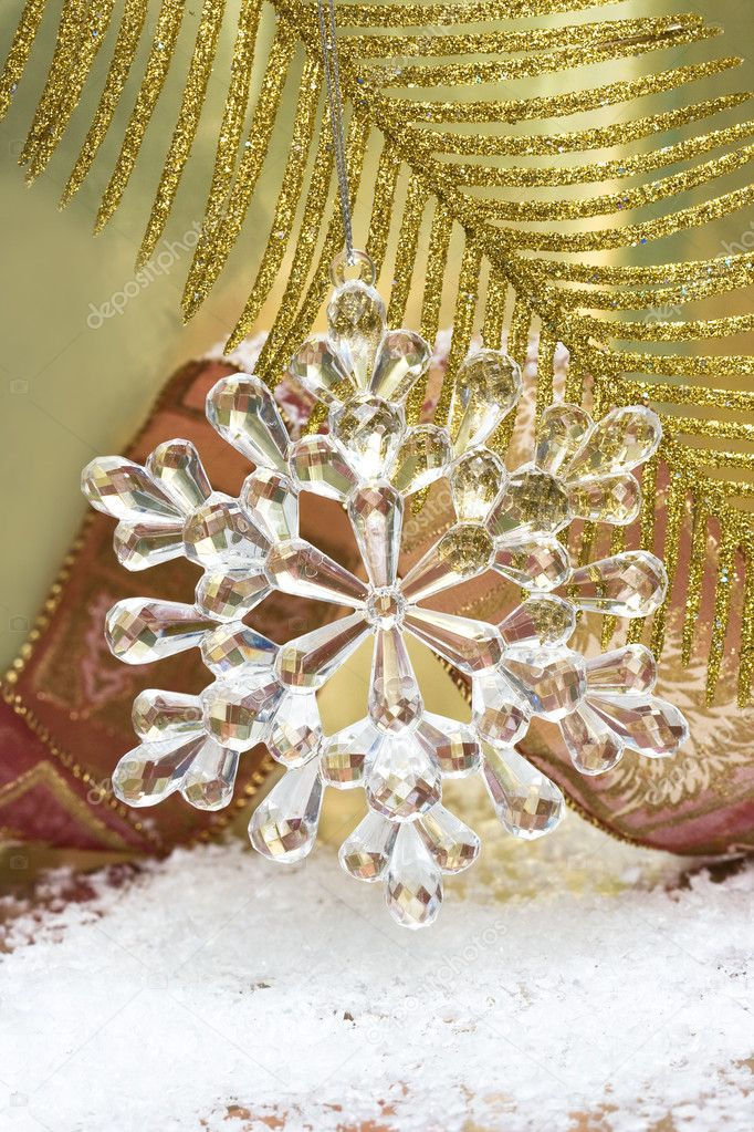 Crystal snowflake on Christmas tree — Stock Photo #1403720
