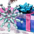 Blue gift box with Christmas star — Stockfoto