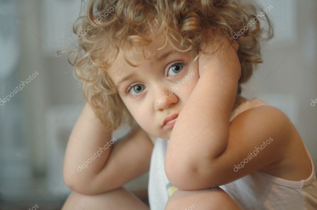 Beautiful little girl with big blue eyes — Stock Photo #1397012