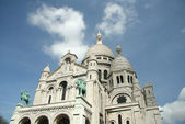 Basilica The Sacre-Coeur in Montmartre — Stock Photo