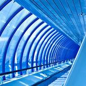 Стеклянный коридор — Стоковое фото