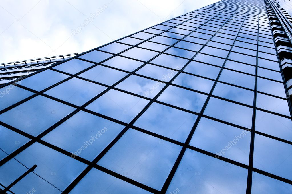 Diminishing side of skyscraper — Stock Photo #1430945