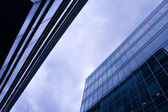 Space amongst business skyscrapers — Stockfoto