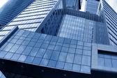 Modernos rascacielos geométricos — Foto de Stock