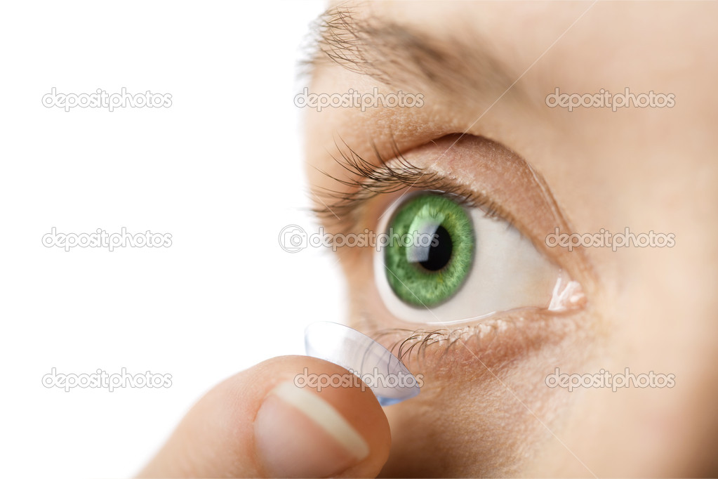 Beautiful human eye and contact lens isolated — Stock Photo #1774304