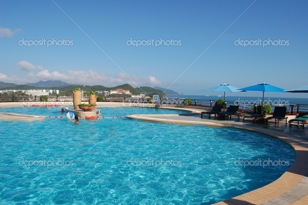 Swimming pool in china hotel with sea view. china, Hainan, Dadunhai — Stock Photo #1535623