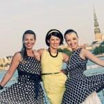 Three beautiful woman outdoors — Stock Photo #1421503