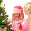Mother and daughter celebrating christma — Stockfoto