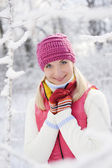 Beautiful woman in winter clothing — Stock Photo