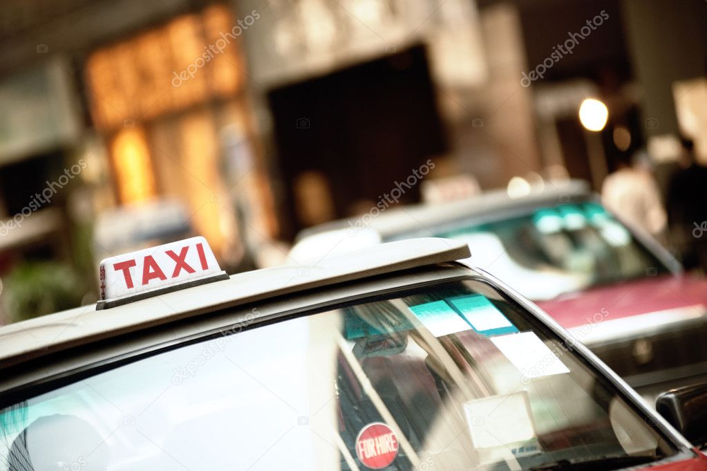 Traffic in the city — Stock Photo #1420655
