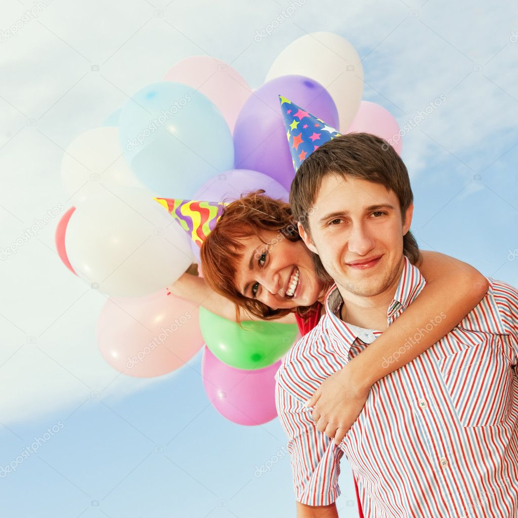 Happy couple outdoors — Stock Photo #1421179