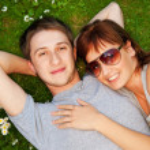 屋外の愛の若いカップル — ストック写真 #1728761