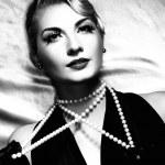 güzel kadın retro portre — Stok fotoğraf #2085102
