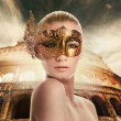 Beautiful woman in front of Colosseum — Foto Stock