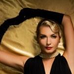 güzel kadın retro portre — Stok fotoğraf #2085151