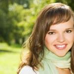 美しいロマンチックなブルネットの肖像画 — ストック写真 #2087444