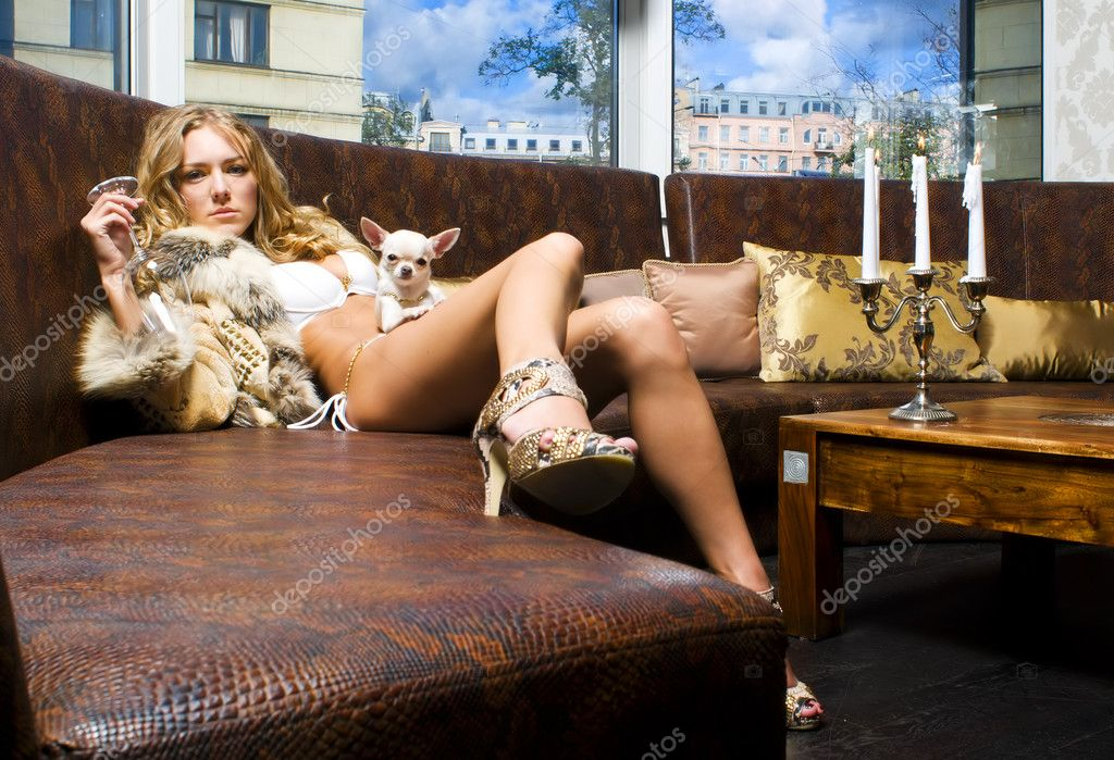 Фото красивых девушек в мехах 23 фотография