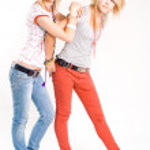 due ragazze alla moda — Foto Stock