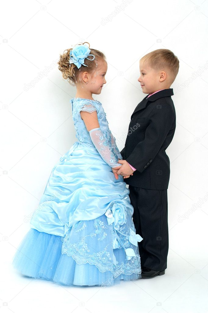 Little pretty couple smiling to each other — Stock Photo #1471368