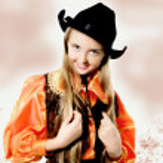Posing cowgirl portrait — Stock Photo