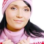 Красивые улыбающиеся женщина зимняя шляпа — Стоковое фото