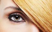 化妆和发型 — 图库照片