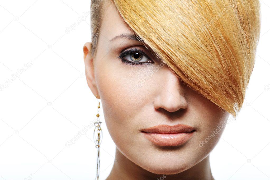 金发碧眼的美女发型