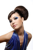 Fashion hairstyle and make-up — Photo