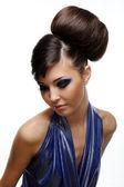 Maquiagem e penteado de mulher — Foto Stock