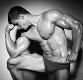 Man with strong naked beautiful body — Foto de Stock