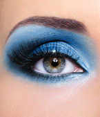 Blue glamour make-up of woman eye — Fotografia Stock
