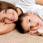 sourire, mère et l'enfant — Photo