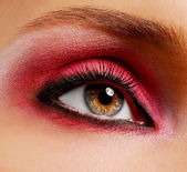 Ceremonial bright pink make-up — Stock Photo
