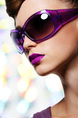 Girl in fashion sunglasses — Stock Photo