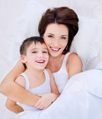Beautioful mãe e filho bonito — Foto Stock