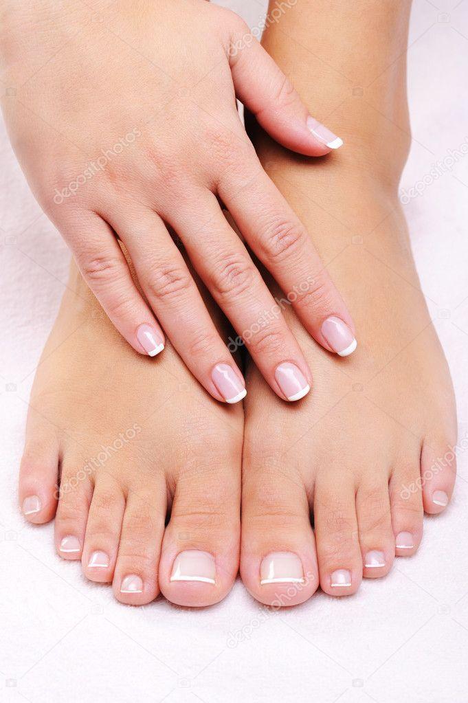 Фото ногтей ног и рук в руки