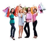 весело красоты девушек покупками — Стоковое фото