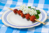 Strawberry barbecue on plate — ストック写真