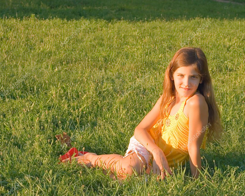 Beauty teen girl on grass for your design — Stock Photo #2310971