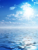 Sunny background and water — Stock Photo